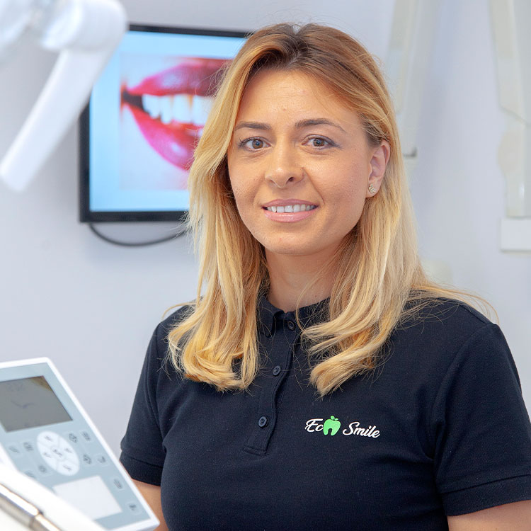 Eco Smile dentist giorgiana rostogol